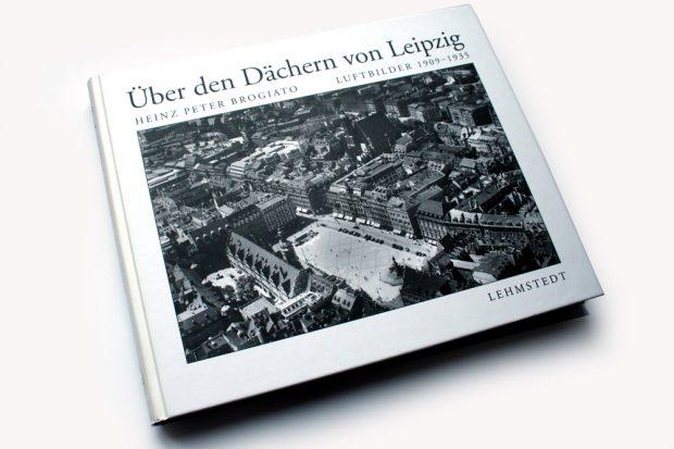 Heinz Peter Brogiato: Über den Dächern von Leipzig. Foto: Ralf Julke