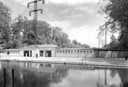 Flussbäder waren im Leipzig von 1914 keine Seltenheit. Foto: Stadtarchiv