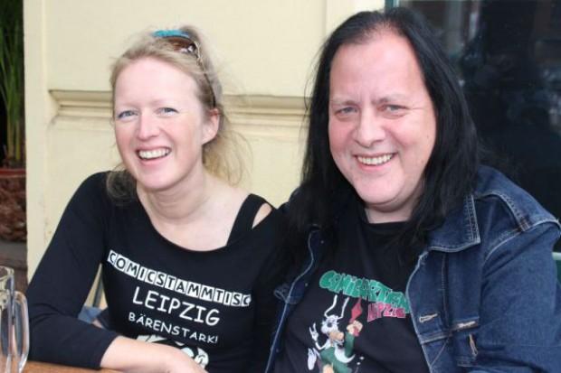 Anja & Thomas Wilde gehen in den Garten – um mit Zwergen und Cosplayern Comic zu feiern. Foto: Volly Tanner