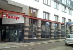 Angriff auf Polizeiposten in Connewitz. Foto: L-IZ.de