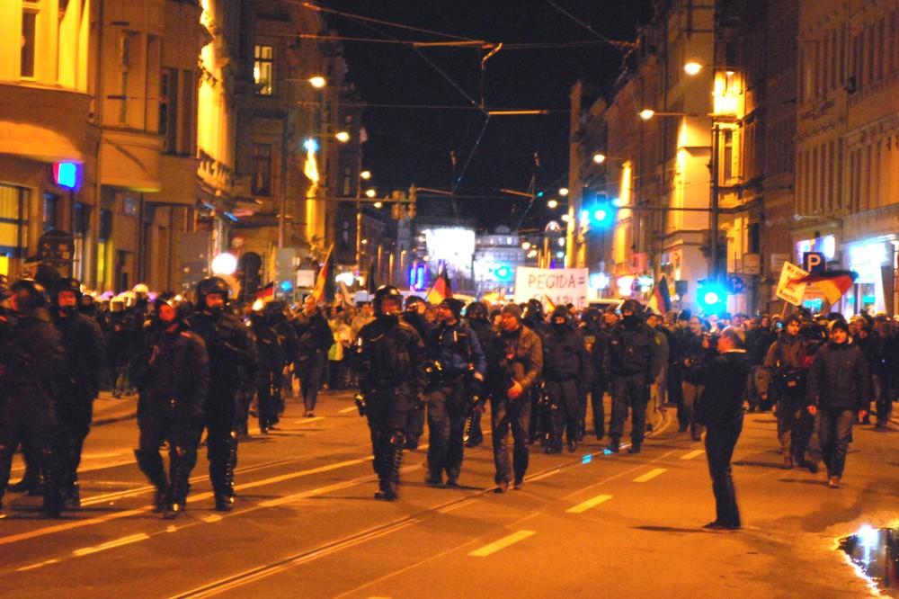 Legida am 12. Januar 2015 auf der Jahnallee. Foto: L-IZ.de