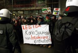Leipziger Allerlei gegen Braune Soße. Der Protest in Leipzig war bei jedem Legida-Aufmarsch zur Stelle. So auch am 30. Januar. Foto: Marcus Fischer