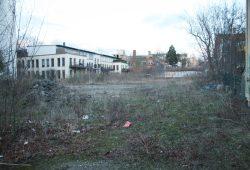 Brachfläche in der Windscheidstraße 45 / 47. Foto: Ralf Julke