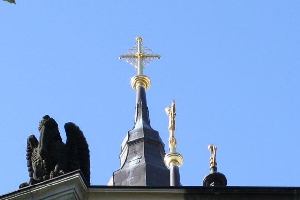Vergoldetes Kreuz der Michaeliskirche. Foto: Ralf Julke