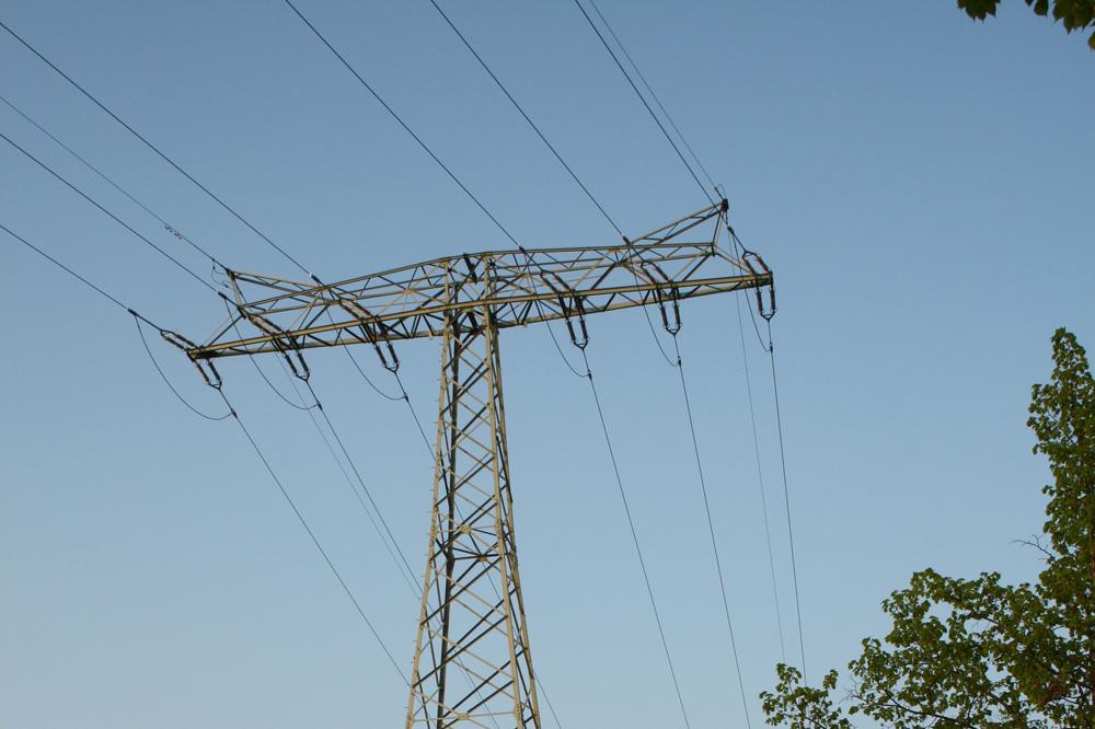 Wo und wie sollen die neuen Stromtrassen für die Energiewende entstehen? Foto: Ralf Julke
