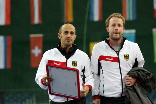 Trainer Jamilon Mülders (li.) konnte mit dem Spieltag zufrieden sein. Foto: Jan Kaefer