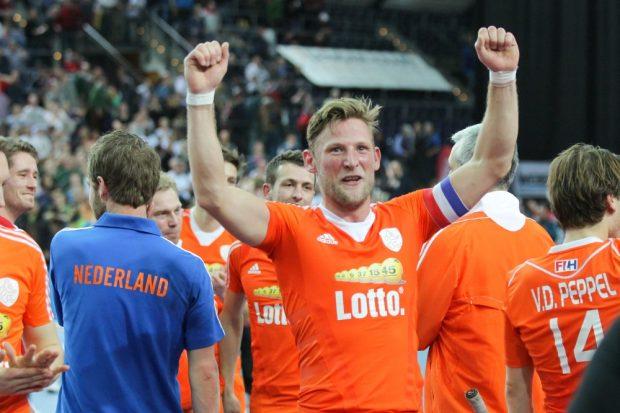 Riesige Freude über den Einzug ins Finale bei Kapitän Robert Tigges (#10, NED) und seinen Niederländern. Foto: Jan Kaefer