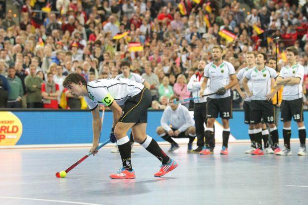 Auch Kapitän Tobias Hauke (#13, D) übernahm beim Penalty-Schießen die Verantwortung. Foto: Jan Kaefer
