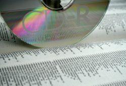 Eine schöne Daten-CD einfach mal in ein Adressbuch geklemmt. Foto: Ralf Julke