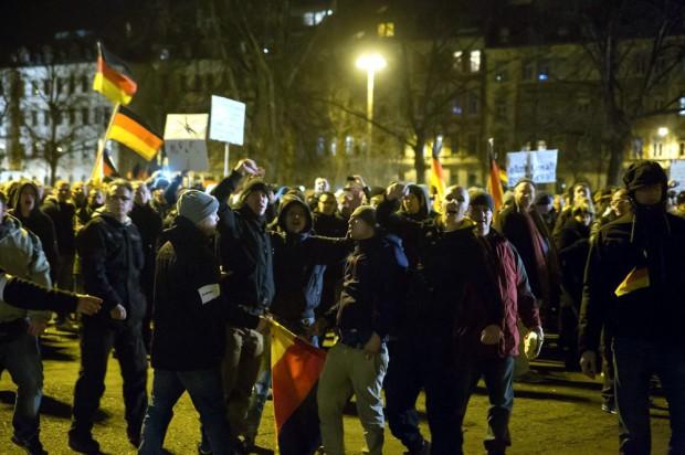 Die etwas anderen Legida-Demonstranten in Leipzig am 12. 01. 2015 Foto: Marcus Fischer