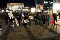 LEGIDA - Das Original bei seiner Demo am 2. Februar 2015 vor der Oper Leipzig. Foto: Andreas Bernatschek
