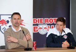 Achim Beierlorzer und Dominik Kaiser bei der Pressekonferenz am Freitag. Foto: GEPA Pictures/Roger Petzsche