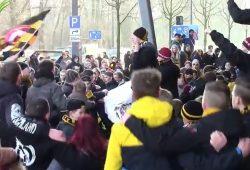 Dynamo-Fans versammeln sich vor den verschlossenen Stadiontoren. Quelle: Heimspiel Fanmagazin