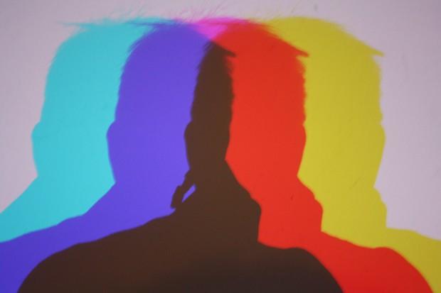 """Vier Köpfe sind zu sehen, wo """"in Wirklichkeit"""" nur ein Kopf ist. Doch was ist wirklich? Foto: Ernst-Ulrich Kneitschel"""
