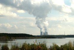 Einen der Kraftswerksblöcke im Kohlekraftwerk Lippendorf im Leipziger Südraum betreibt Vattenfall. Foto: Ralf Julke