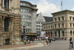 Auch neben dem LVB-Service-Center an der Markgrafenstraße soll eine Mobilitätsstation entstehen. Foto: Ralf Julke