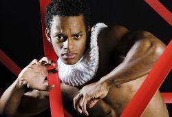 Ronan Dos Santos Clemente als Othello. Foto: Kirsten Nijhof, Oper Leipzig
