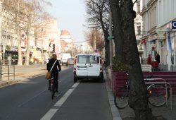 Normalzustand auf dem Radfahrstreifen zwischen Schenkendorfstraße und Körnerstraße. Foto: Ralf Julke