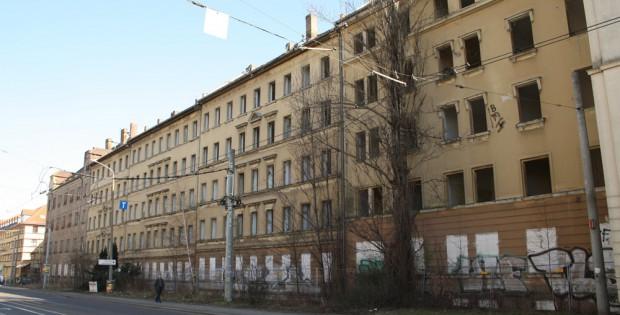 Die Gebäude Riebeckstraße 37-47. Foto: Ralf Julke