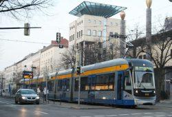 Straßenbahn der Linie 11 auf dem Weg nach Markkleeberg-Ost. Foto: Ralf Julke