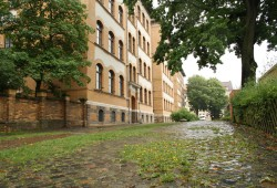 Pausenhof der Apollonia-von-Wiedebach-Oberschule. Foto: Ralf Julke