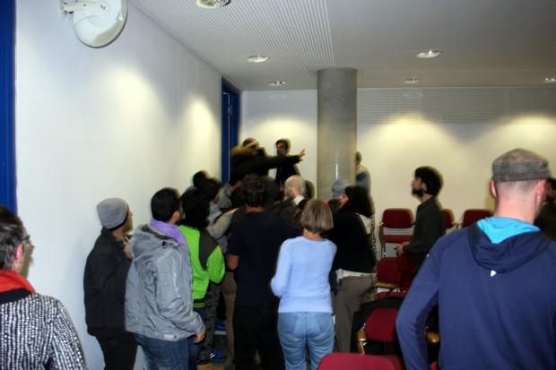 AK Nahost Sympathisanten vertreiben Antisemitismusgegner aus dem Saal. Foto: Alexander Böhm