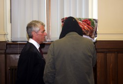 Rechtanwalt Stephan Bonell und sein Mandant Thomas M. Foto: Alexander Böhm