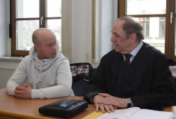 Janko V. mit Verteidiger Matthias Luderer. Foto: Alexander Böhm