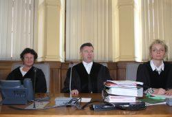 Dritte Strafkammer des Landgerichts unter Vorsitz von Norbert Göbel (Mitte). Foto: Alexander Böhm