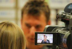 Wird DHfK-Coach Christian Prokop nach dem Spiel den Medien gegenüber erneut von einem Heimsieg berichten können? Foto: Jan Kaefer