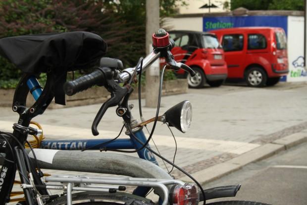 Mobilitätszukunft in Leipzig: Fahrräder und Autos ausleihen, wann man sie braucht. Foto: Ralf Julke