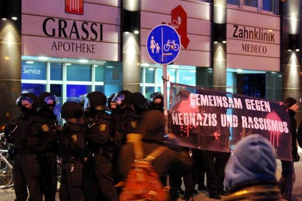 Polizeibeamte aus Baden-Würtemberg demonstrieren gegen Rassismus und Neonazis in Leipzig. Foto: L-IZ.de