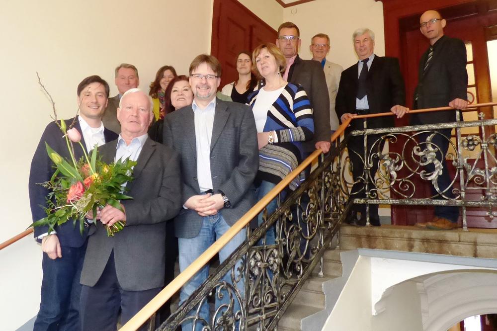 Die Mitglieder im Grünen Ring Leipzig - mit Peter Bringer, dem Bürgermeister von Pegau, samt Blumenstrauß im Vordergrund. Foto: Grüner Ring Leipzig