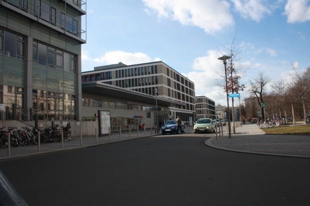 Das Universitätsklinikum Leipzig: 1450 Betten , über 6000 Beschäftigte. Foto: Ernst-Ulrich Kneitschel