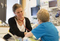Dr. Skadi Beblo ist ein der Lotsinnen am Universitären Zentrum für seltene Erkrankungen am UKL. Straube, UKL