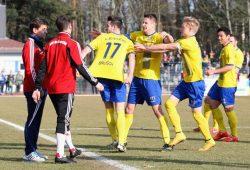 Die kleine Spitze gegen seinen Ex-Coach Heiko Weber konnte sich Lok-Torschütze Ondrej Brusch nicht verkneifen. Foto: Bernd Scharfe