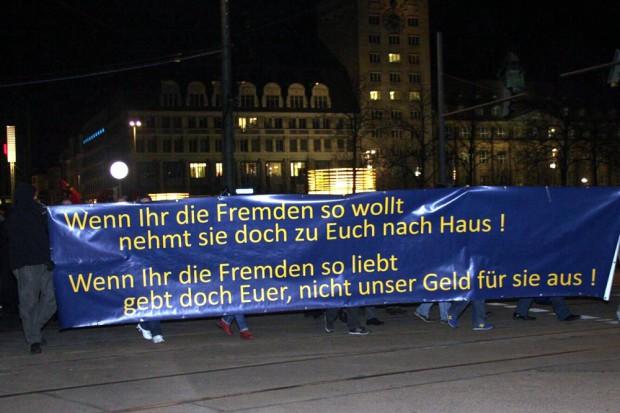 Dazu gibt es nicht mehr viel zu sagen. Das Transparent, wie auch vor zwei Wochen. Foto: L-IZ.de