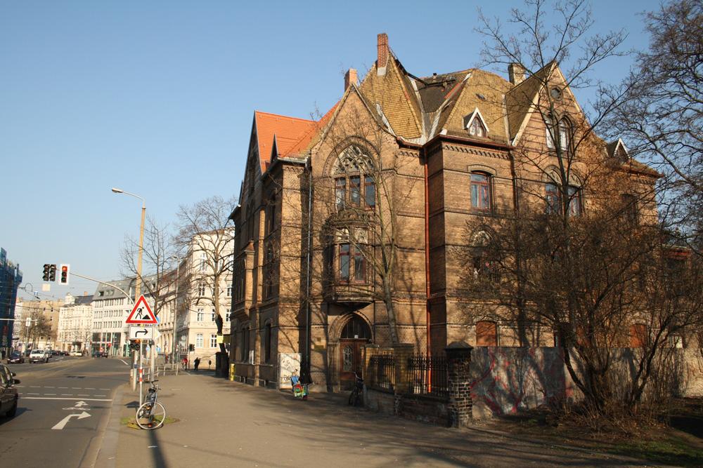 Untergebracht ist das Nachbarschaftscafé im Pfarrhaus Dresdner Straße 59. Foto: Ralf Julke