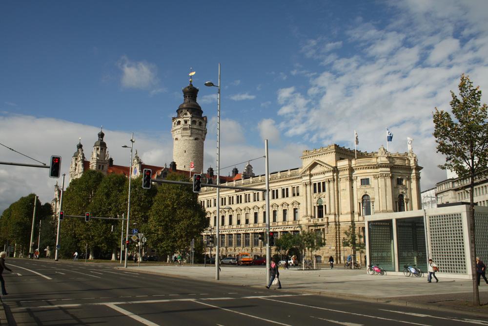 Blick zum Neuen Rathaus. Foto: Ralf Julke