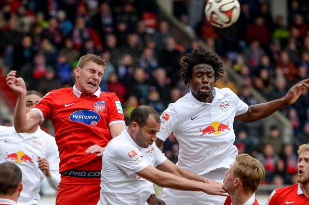 Kevin Kraus (Heidenheim), Omer Damari (RB Leipzig) and Rodnei Francisco De Lima (RB Leipzig). Foto: GEPA Pictures