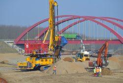 Die Baugrundverdichtungen zwischen Zwenkauer und Cospudener See haben begonnen. Foto: LMBV