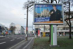 Werbung für fluege.de 2013 im Leipziger Straßenraum. Foto: Ralf Julke