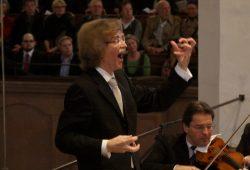 Dirigent Gotthold Schwarz. Foto: Alexander Böhm