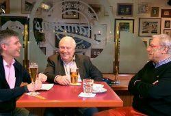 """Es geht zur Sache in der März-""""Nachspielzeit"""": Norman Landgraf, Gert Zimmermann und Eduard """"Ede"""" Geyer (vnr.) Foto: Screen Video"""