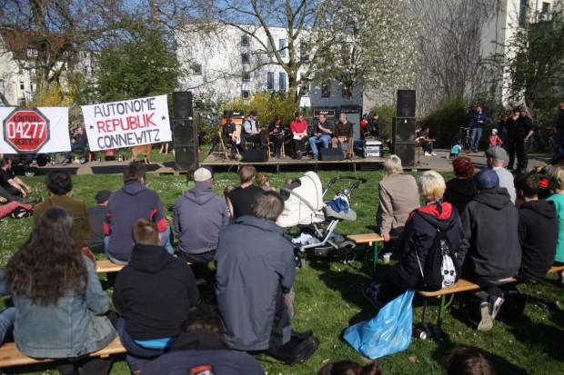Die Podiumsdiskussion erfreute sich reger Teilnahme. Foto: Sandra Hähle