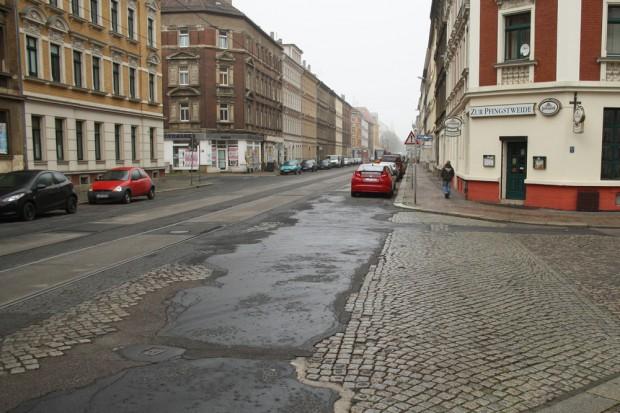 Einmündung der Pfingstweide auf die Georg-Schwarz-Straße. Foto: Ralf Julke