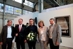 Die Preisverleihung an Martin Groß bei der 21. Leipziger Jahresausstellung. Foto: Sylvia Schade