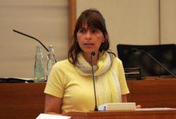SPD-Stadträtin Ute Köhler-Siegel am Rednerpult im Stadtrat. Foto: Sebastian Beyer