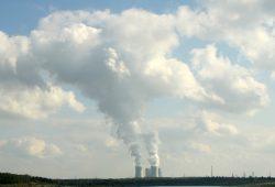 2014 bei der Arbeit: Das Kohlekraftwerk Lippendorf im Leipziger Südraum. Foto: Ralf Julke