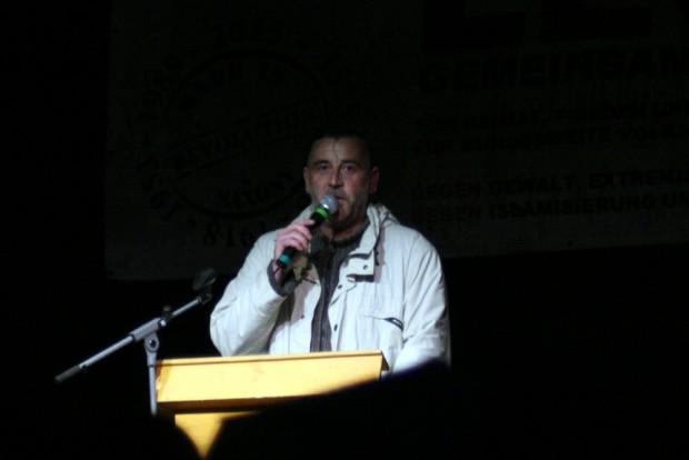 Lutz Bachmann bei einer Ansprache 2015 bei Legida in Leipzig. Foto: L-IZ.de